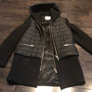 Sandro trench with puffer detail